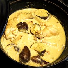 鶏手羽と大根のココナッツカレー煮