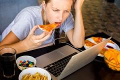 【Dr.牧野のGLAM外来】vol.3「ストレスで過食。食べ過ぎては落ち込む、悪循環をもうやめたいんです」
