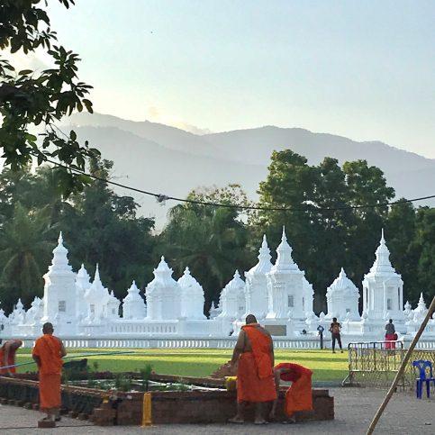 Wat Suan Doc の寺院にて